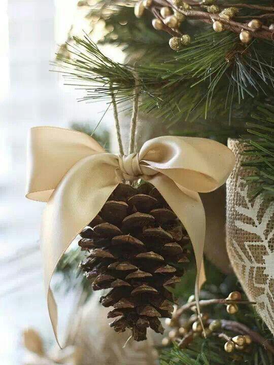 decoración navideña piña